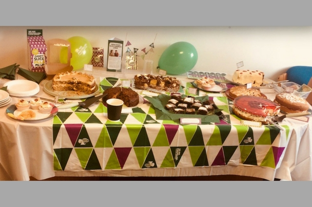 Copy of 640px x 425px – cake table